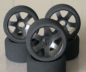 Ulti 1/12 Front Tires Medium V foam (6pcs/Black Rims)